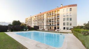 Apartment for sale 4 bedrooms in Lisbon Nations Park Private Condominium River Front Views Swimming Pool