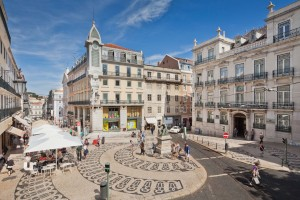 Great-Exploring-Tours-Lisbon-Sexiest-Chiado