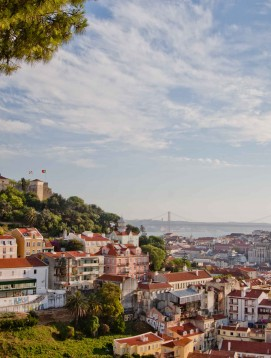 Great-Living-in-Portugal-Lisbon-Castle-View-6
