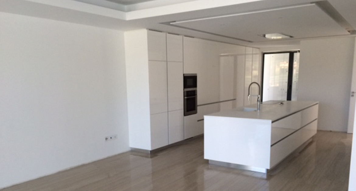 villa-for-sale-aroeira-construction-kitchen-