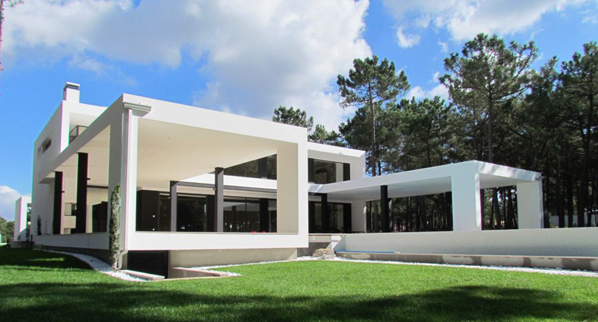 villa-for-sale-aroeira-luxury-exterior-2