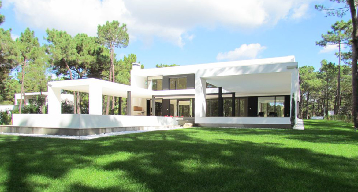 villa-for-sale-aroeira-luxury-exterior-3